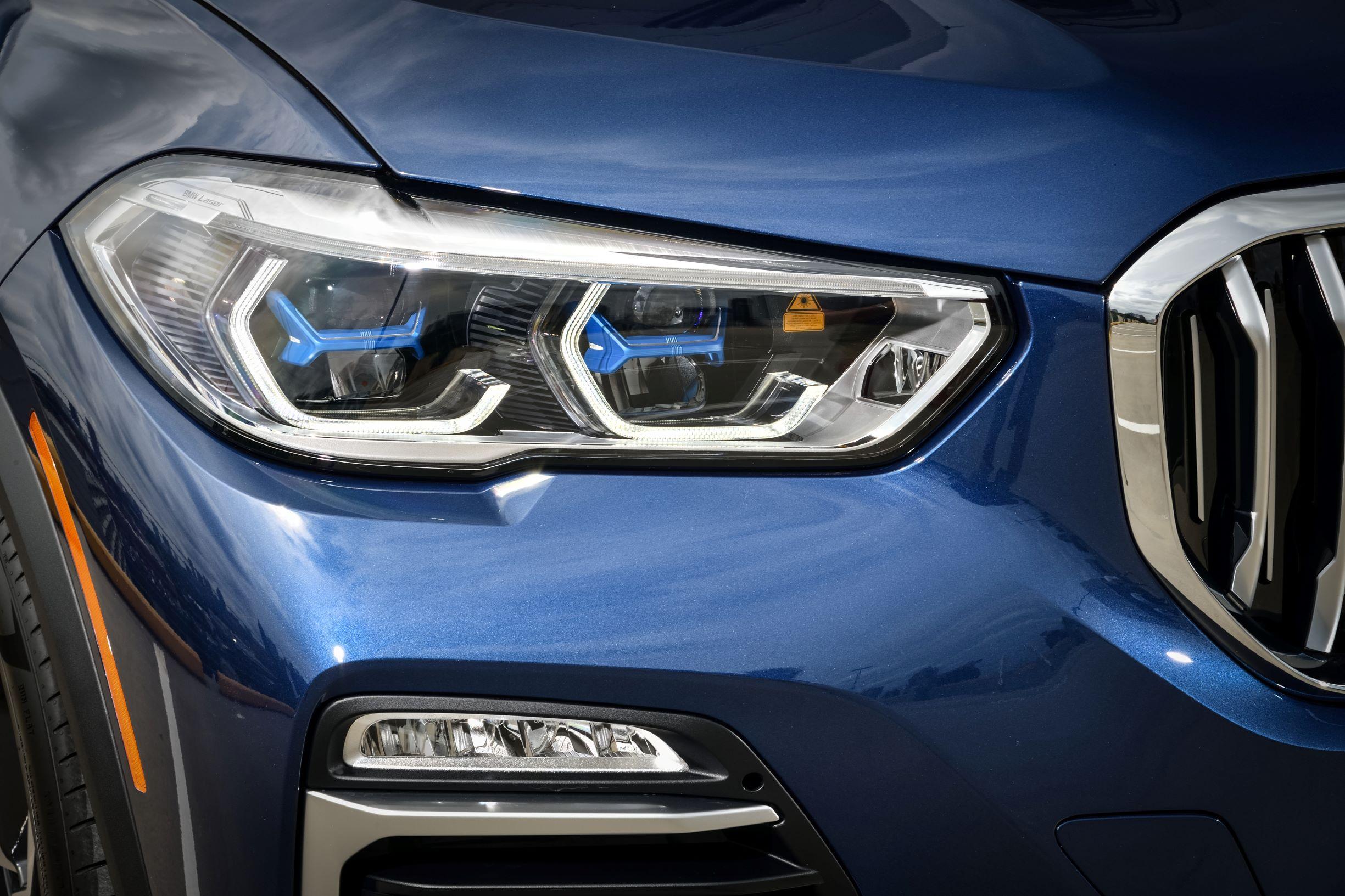 03.全新BMW X5智能激光大灯.jpg
