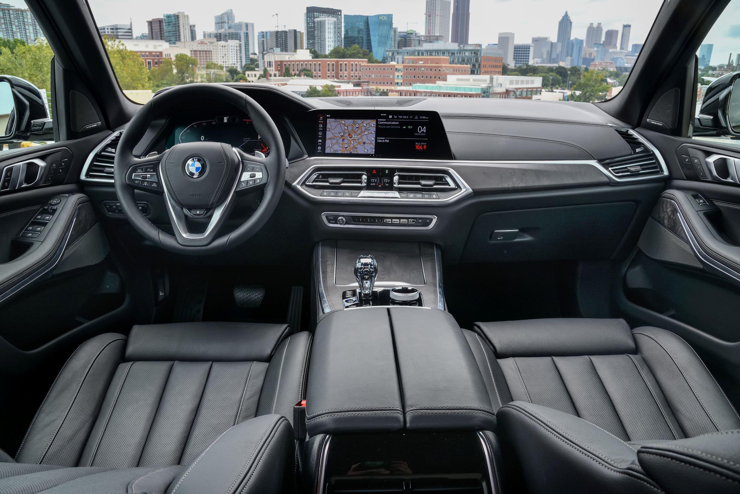 04.全新BMW X5驾驶座舱.jpg