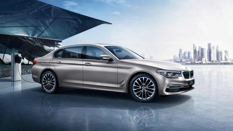 08.BMW 5系插电式混合动力里程升级版.jpg