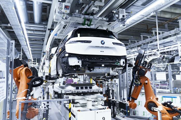 06. 创新BMW iX于丁格芬工厂投产.jpg