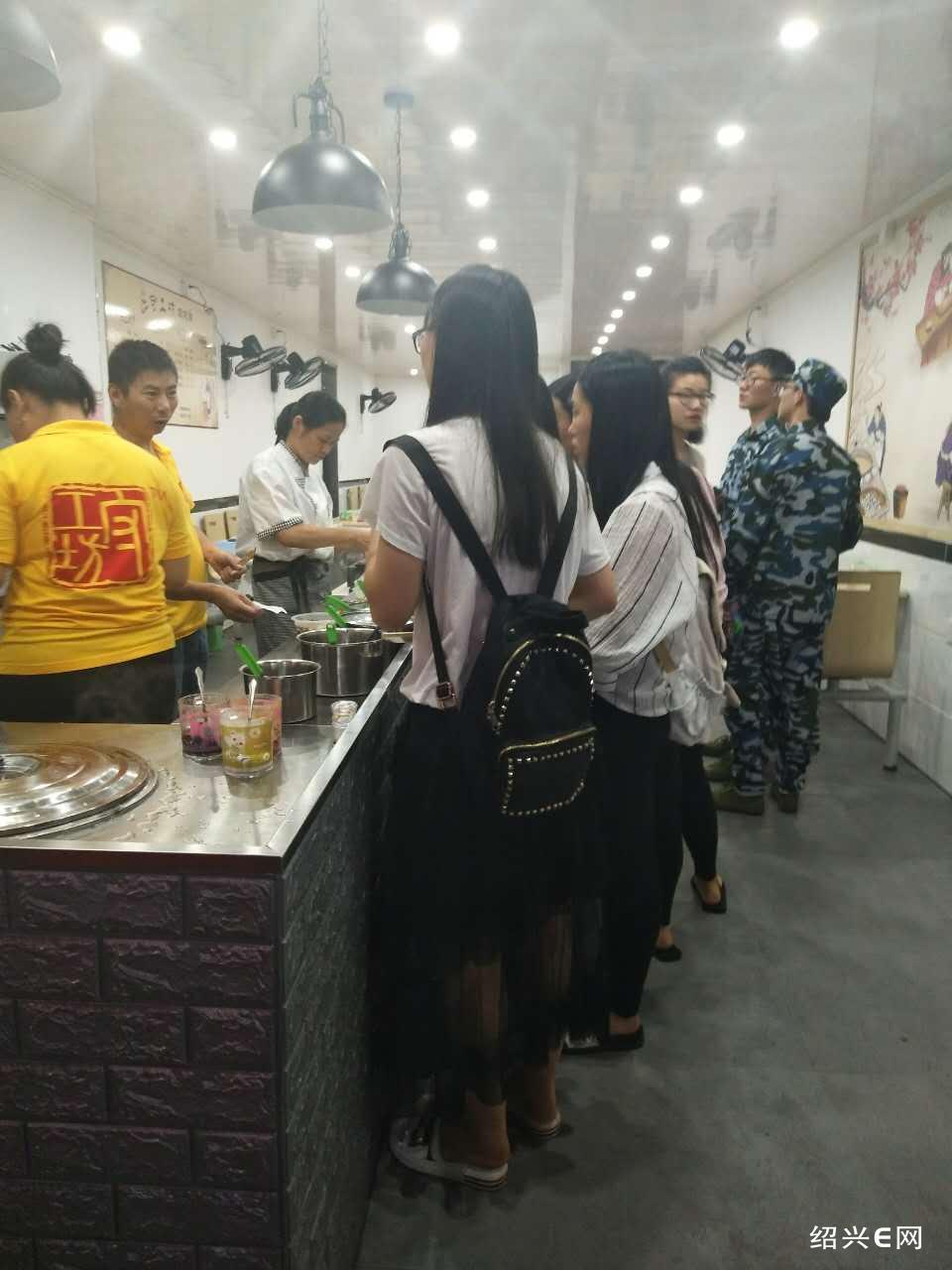 正常营业中百年传承传统小吃店,平均月营业收入七至八万左右现转让