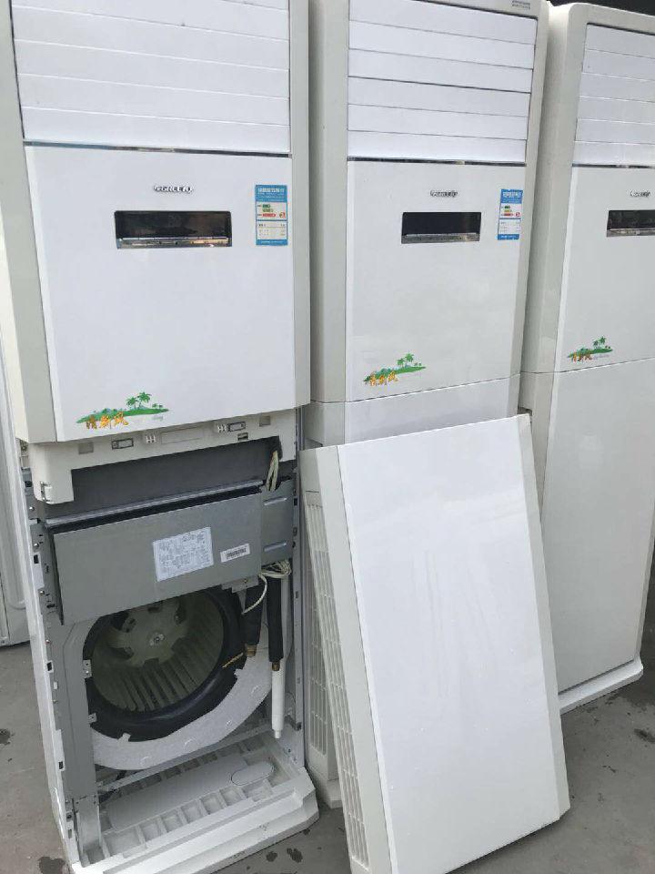 二手空调及全新挂机 吸顶机 水机 模块机 柜机并回收各种空调及酒店酒吧音响联系热线135755555