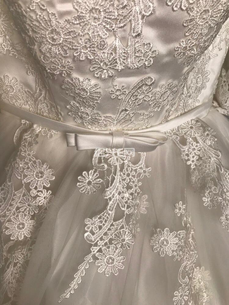 99新婚纱和礼服2件