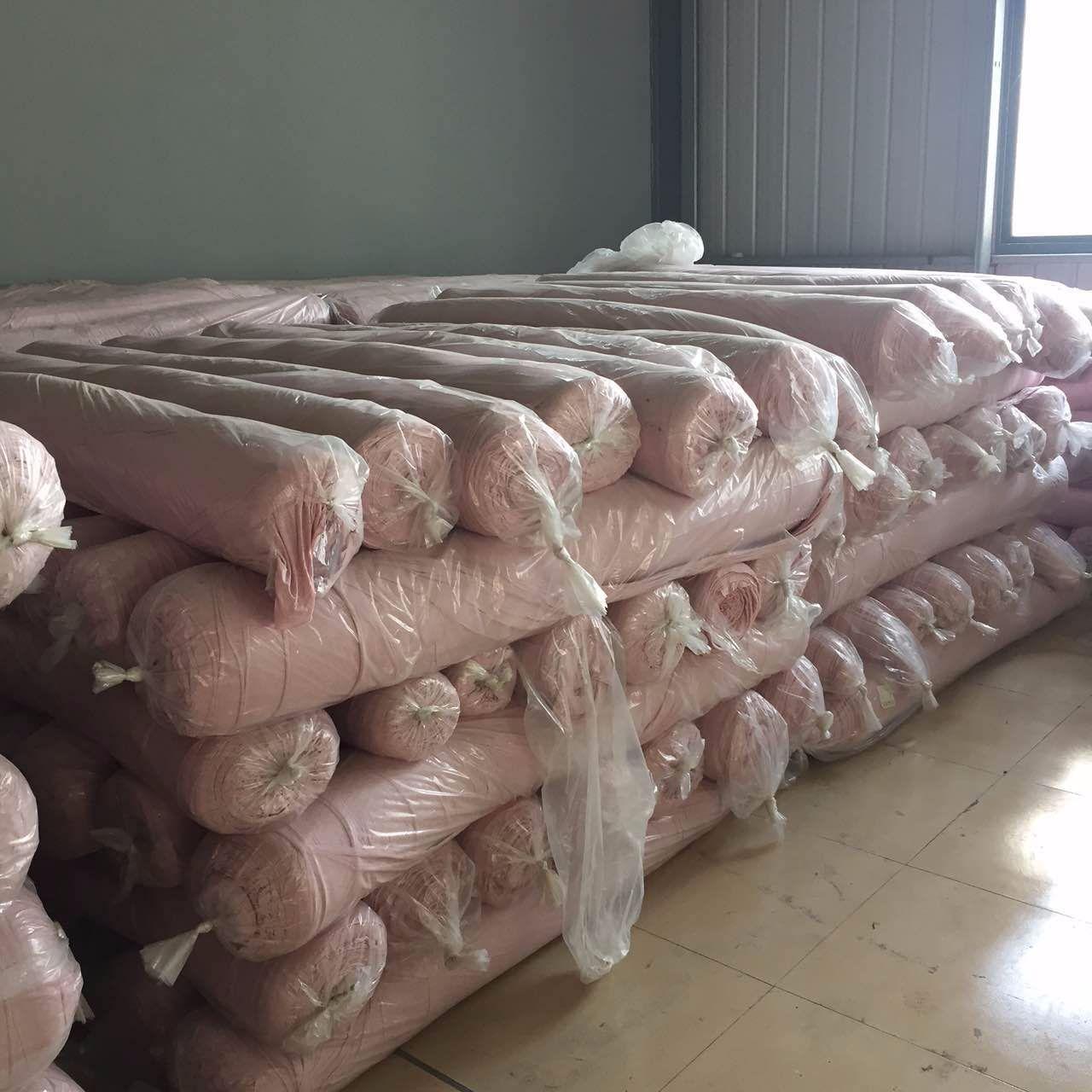 专业收购库存布料及衣服18888706648