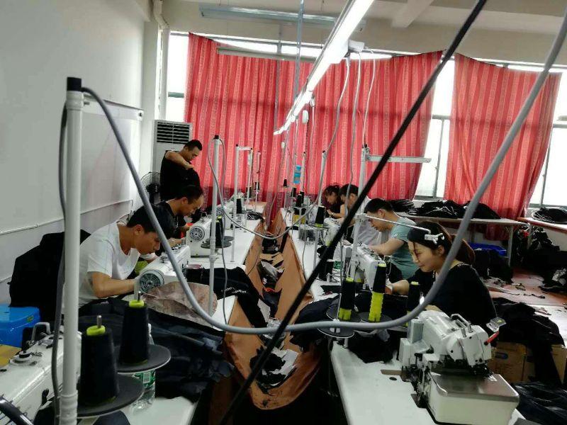 承接精品半精男女装生产加工15868043307