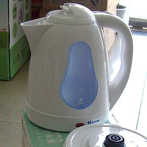 好时达电热水壶WST-07A