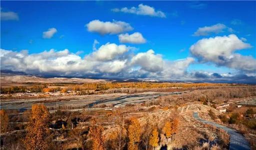 新疆喀纳斯、魔鬼城、禾木、五彩滩、吐鲁番、天山天池双飞八日游