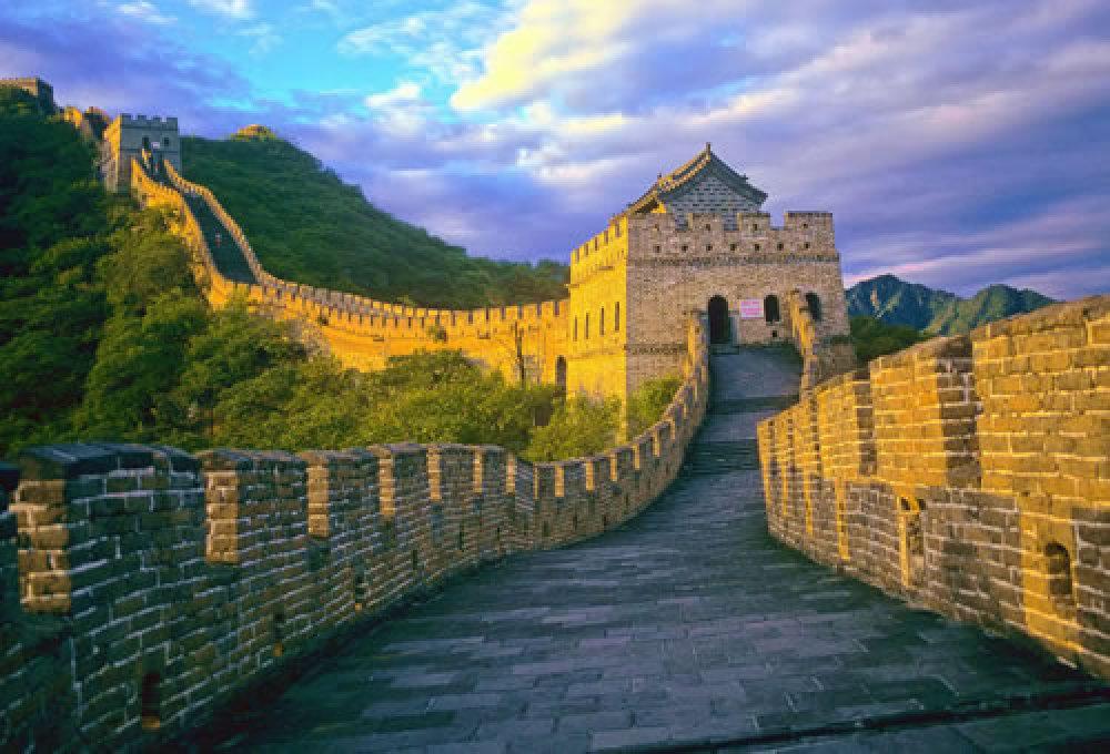 8月【京城臻品北京故宫长城、颐和园、进北大杂技高飞五日】