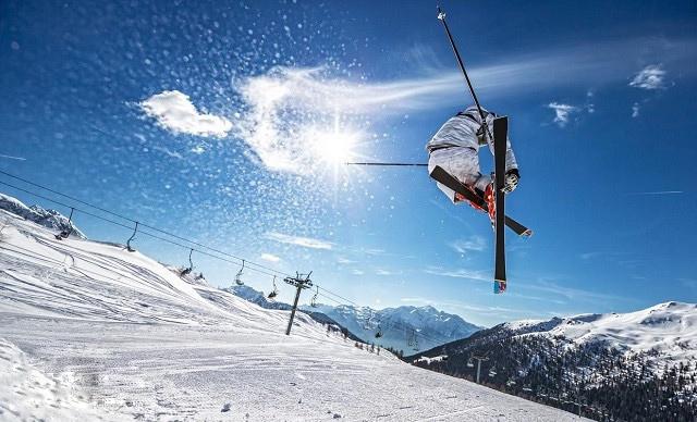 吉林雾凇、长白山、中国雪乡 长白山魔界、亚布力滑雪松