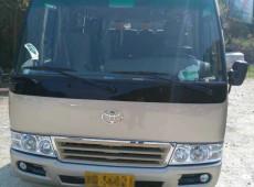 丰田中巴车23座