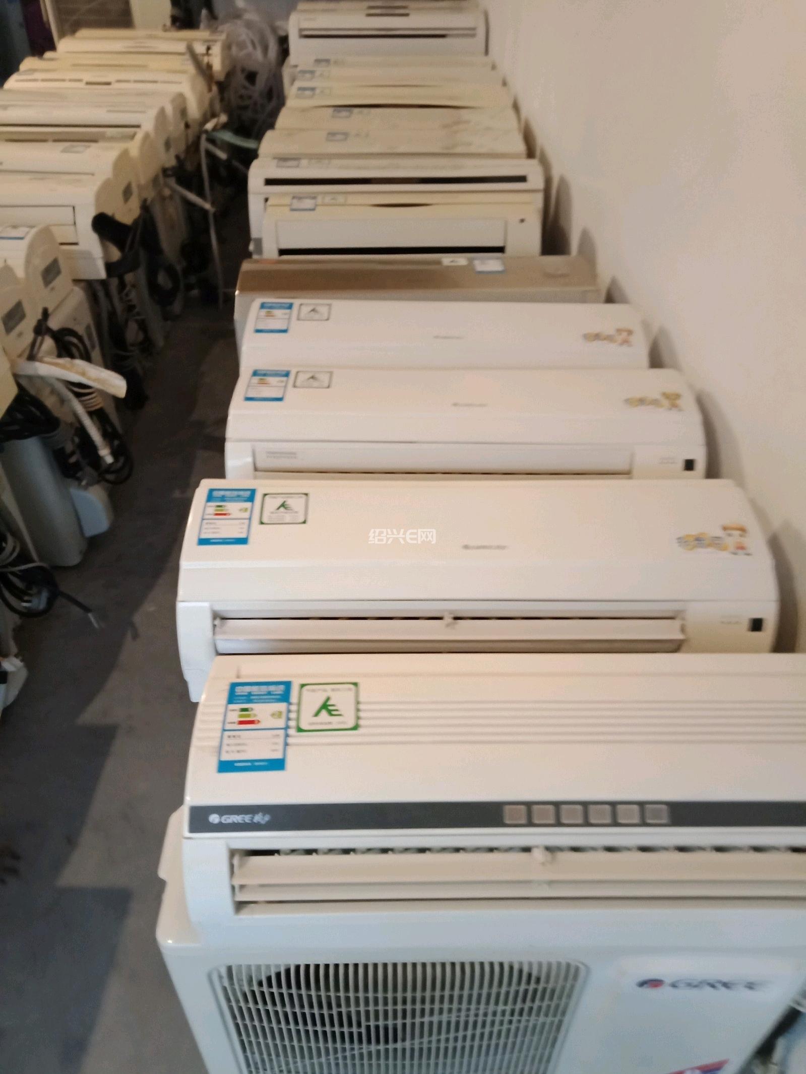 大量出售出租1----5匹新旧空调。价格实惠,服务到位!空调维修保养加液等服务!另回收各类二手